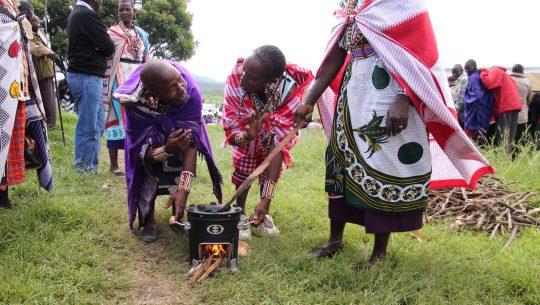 Kenia: Kochöfen für Gemeinden der Maasai